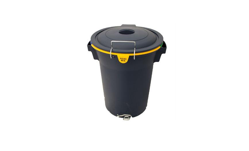 papelera reciclaje triple pedal cerrada