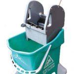 cubo con prensa  litros verde
