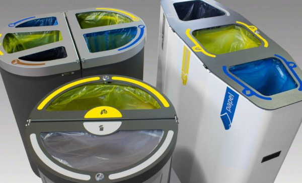 sacos basura reciclaje colores colocadas